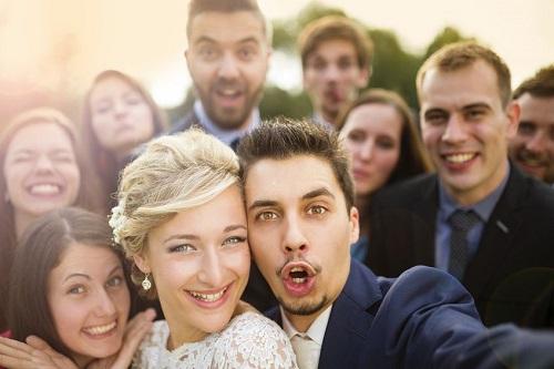 oaspeti nepofitit nunta