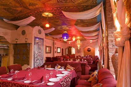 decor restaurant indian